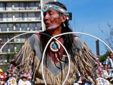 HATAALI JONES BENALLY Navajo Healer & Hoop Dancer
